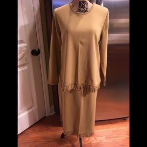 NWOT Nina Leonard Top &Skirt Size Large w/fringe